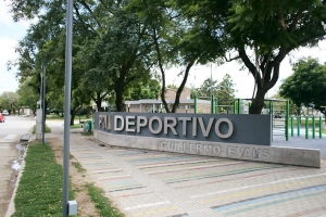 "Polideportivo Municipal ""Guillermo Evans"""